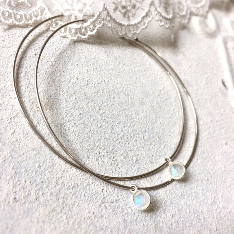 MIH Metal Jewelry | Dream Holiday dreamy holiday Sterling Silver Moonstone Large Hoop Earrings