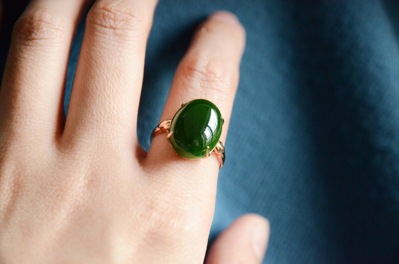 [Jasper Ring] 18k gold classic four-prong setting and Tian Biyu old pit spinach green ring face