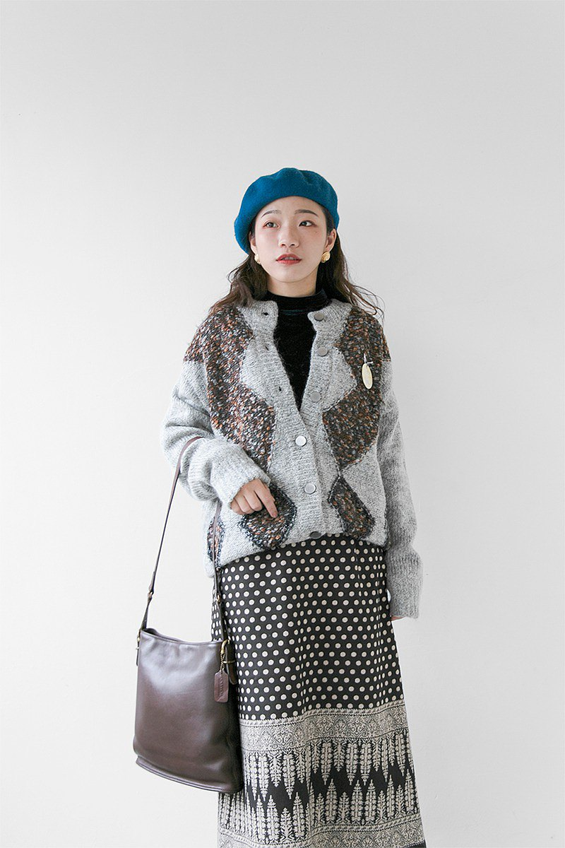 New products in stock-light gray round neck totem mohair sweater coat