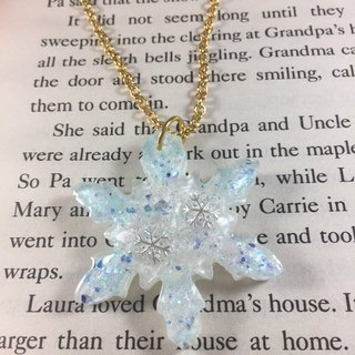 White snowflakes long necklace straps