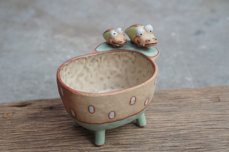 Plant pot with a crocodile ,lithops,cactus,ceramics,pottery,handmade