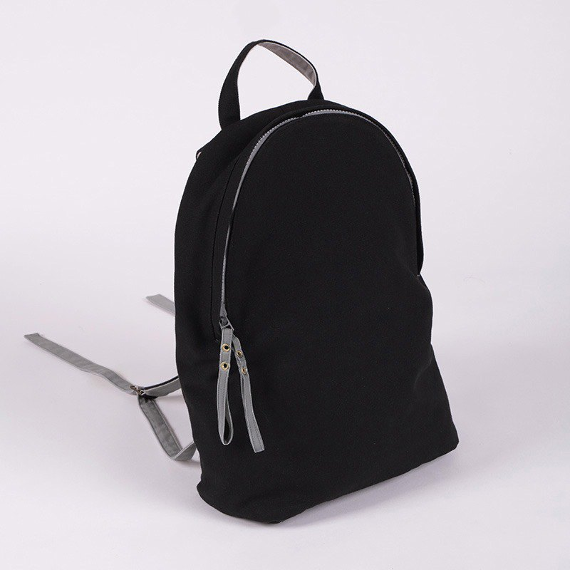 The last 2 / lightweight canvas backpack / black