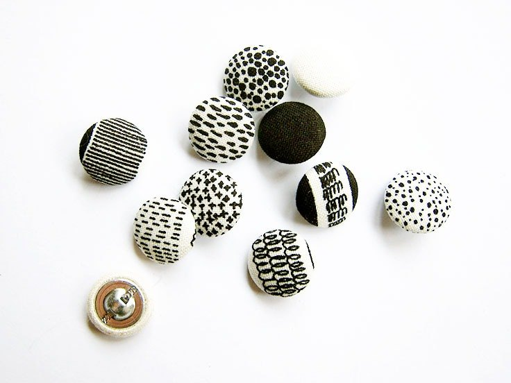 Sewing knitting cloth buckle black and white geometric buttons handmade materials