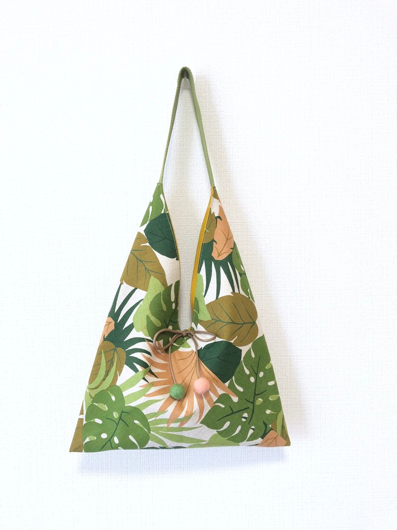Japanese-style skull-shaped side backpack / medium size / tropical rainforest - green