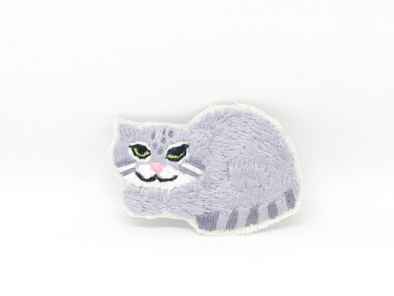 Embroidery brooch Manul cat