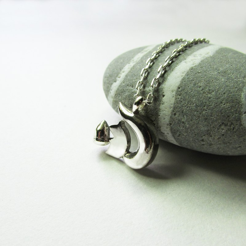 Squirrel necklace_squirrel necklace 925 sterling silver limited designer hand made