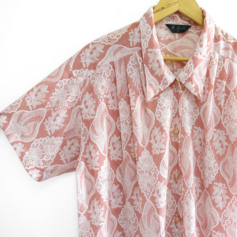 │Slowly│ icing on the cake - vintage shirt │vintage. Retro. Literature.
