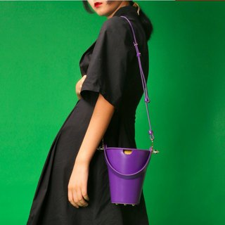 Purple top layer cowhide round bucket bag side back handcuffs dual-use leather bag girl heart macarons