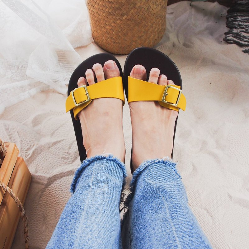 Minimal shoe Yellow Sandal Yellow Leather Slip On Sandal Vintage Style Shoe