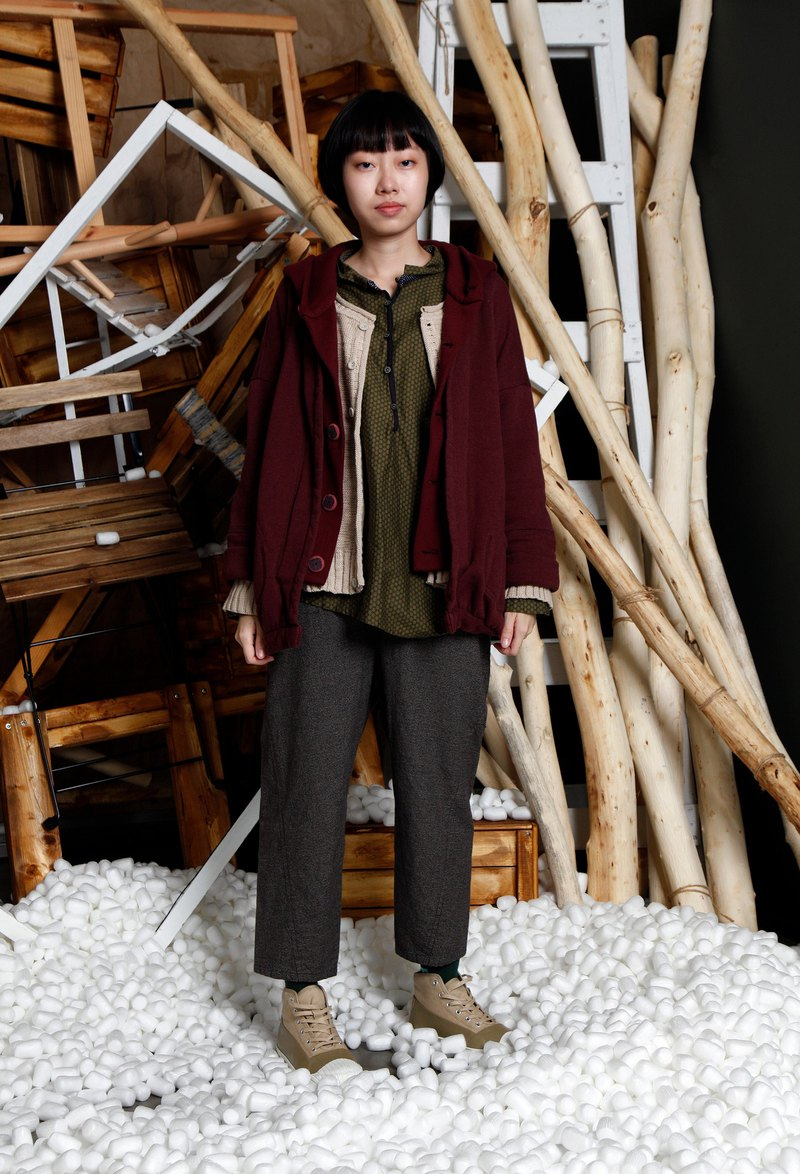 Native _ cellar secret thick bristled hooded jacket