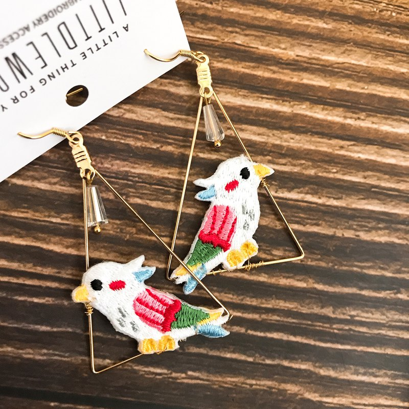 Littdlework embroidered earrings ear clip ear hook | parrot