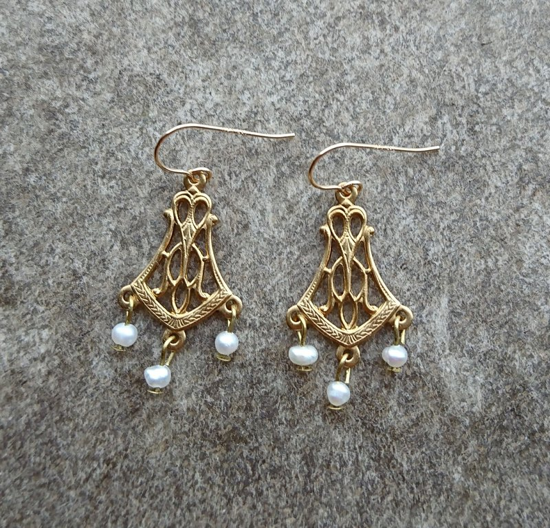 Art Nouveau Earrings with Pearls