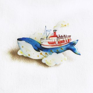 Dream whale brooch