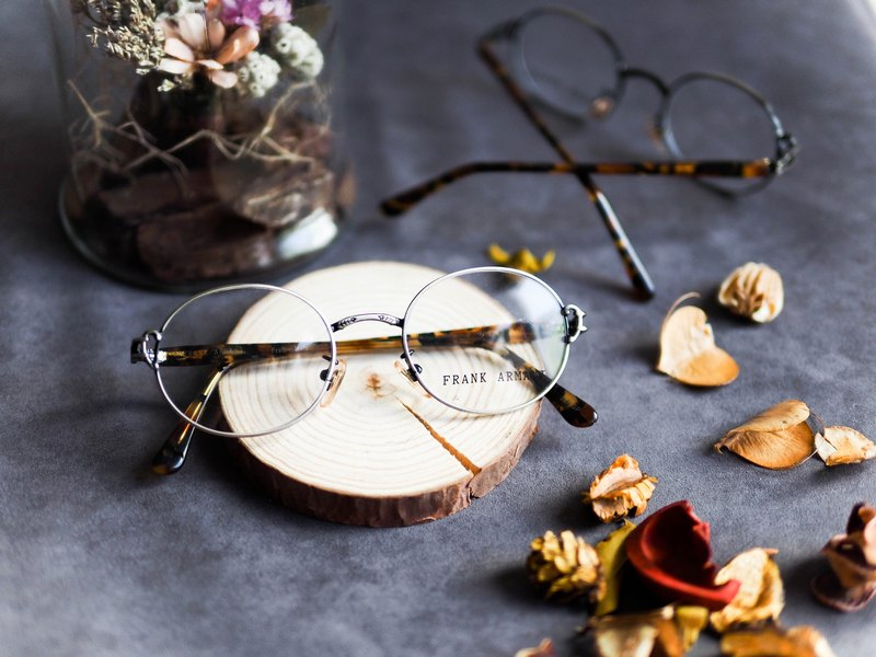 River water mountain Kyoto iron silver gray rock day slip nose pad carving design amber mirror foot iron gray frame glasses