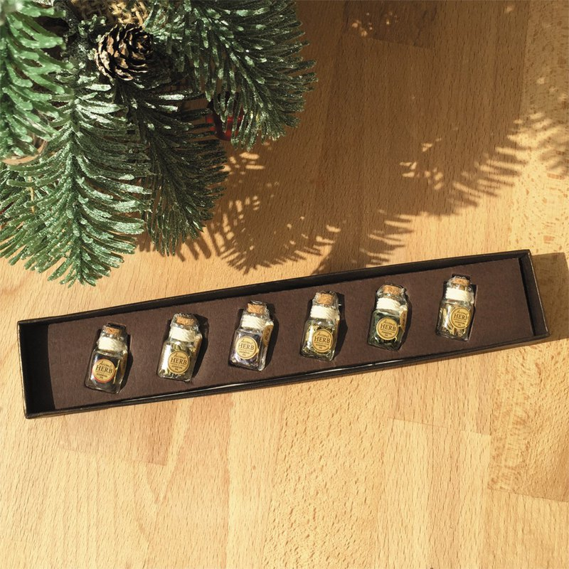 [Christmas exchange gift] 6 sets of vanilla essential oil scented bottles (Botanical Museum Gift Box)