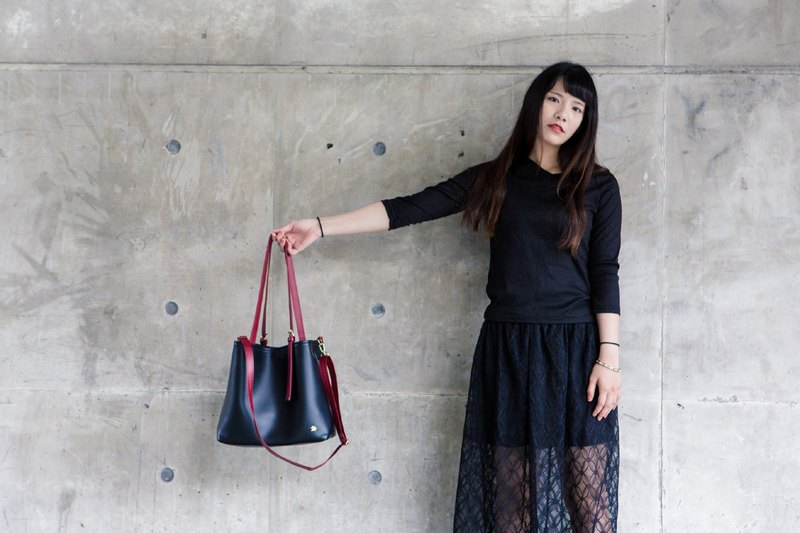 **Welfare goods clear**CLM classic tote bag - black red