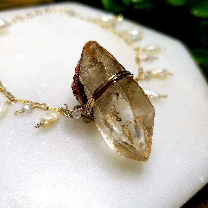 天然石奇幻旅程: 權杖骨幹水晶懷舊淡水珍珠14k注金手鏈(香港製)