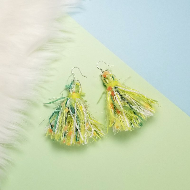 Mixed knit fringes earring (Green/Lime/Orange Neps/White Woven Tape)