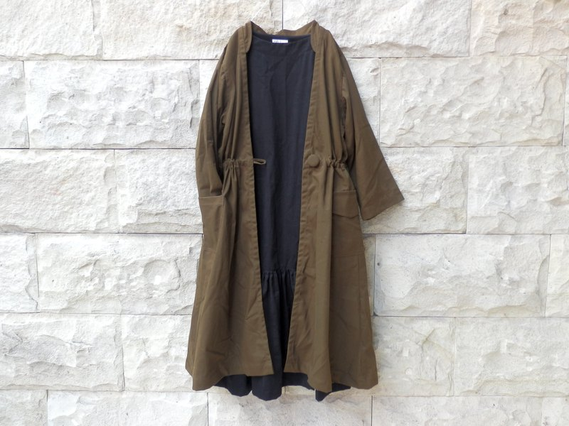 Cotton canvas long coat / Light brown