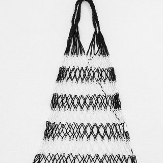 Hand-woven fish net bag (black and white)