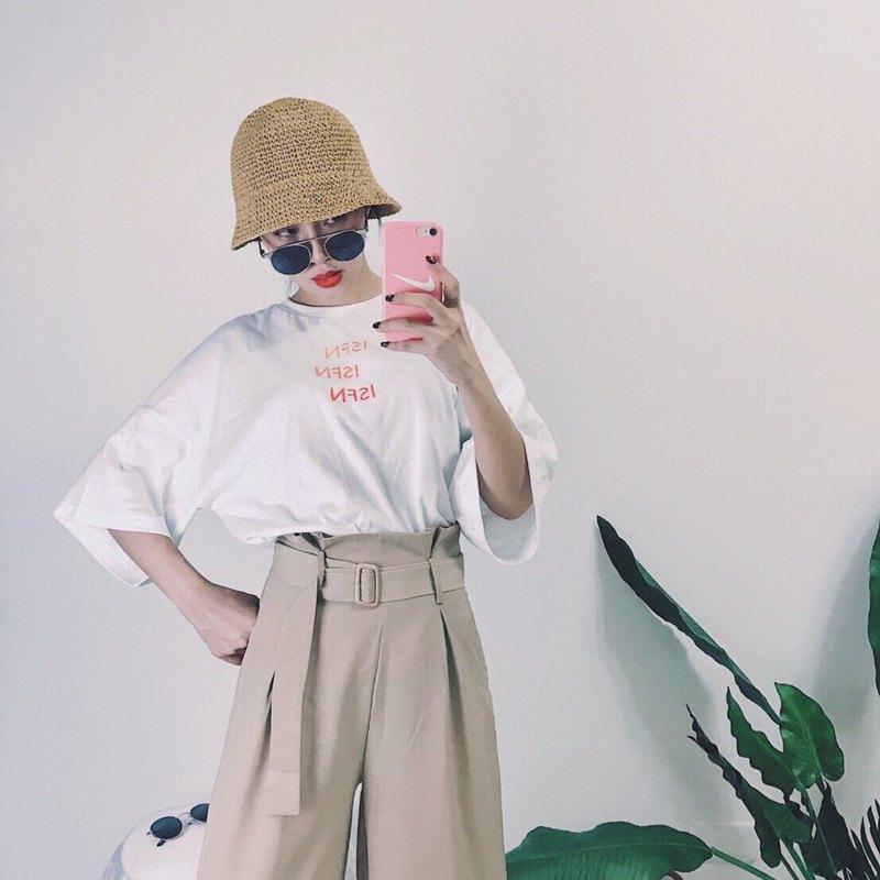 ISFN 2017 夏天 落肩電繡款 夏天必備 寬短版 Oversize 落肩