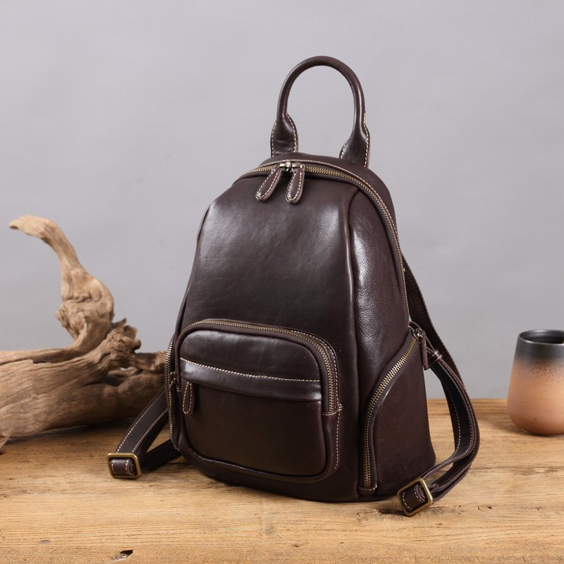 After the fruit leather cow leather backpack shoulder bag multi-function pocket design zipper storage