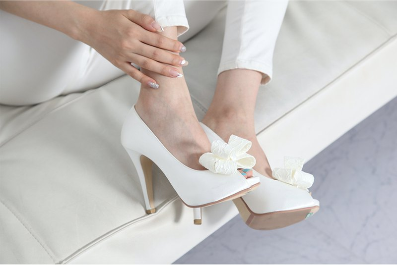 Open toe lace platform wedding shoes with ribbon corsage