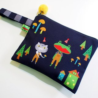 E * group box portable package (A frog black field) double-sided design universal admission package handbag bag cosmetic bag