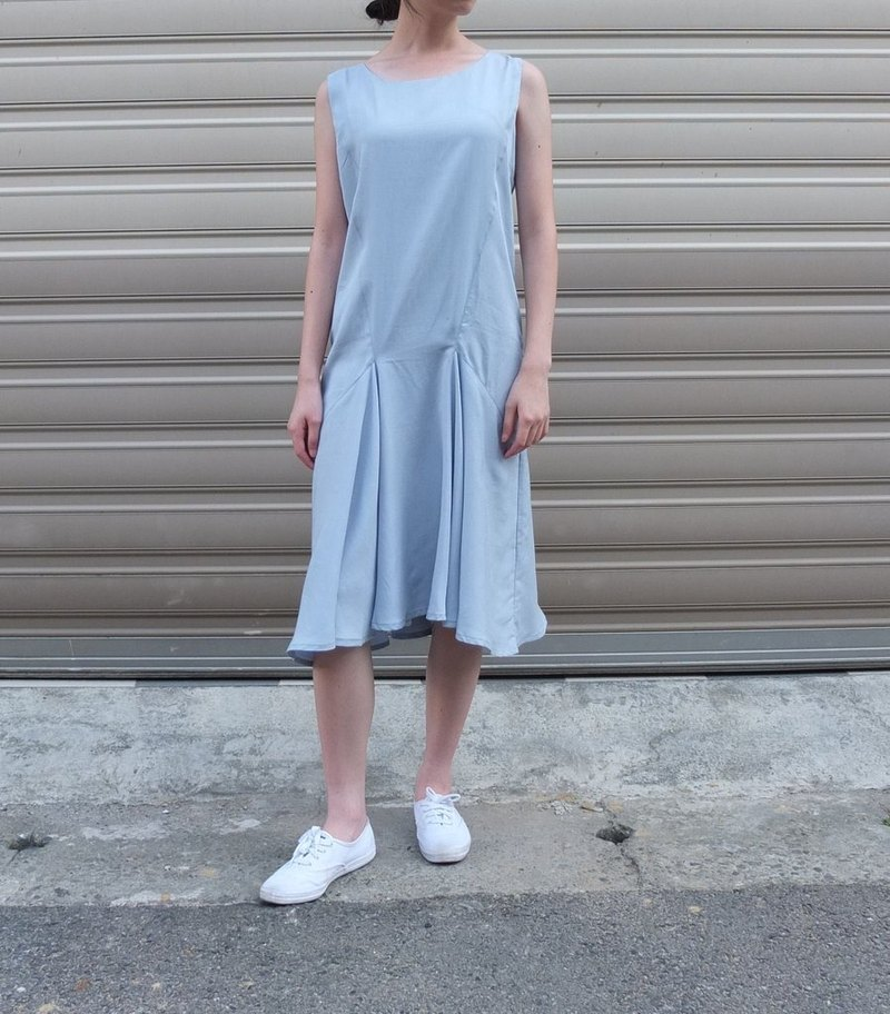 Cielo Dress sky blue round neck sleeveless dress (can be customized)