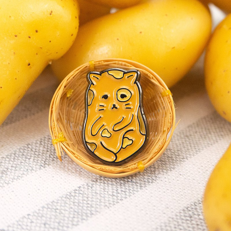 Purrtato Enamel Pin