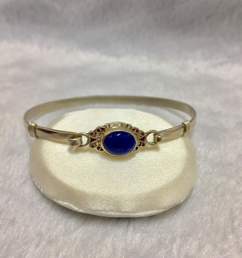 Lapis bangle Handmade in Nepal 92.5% silver