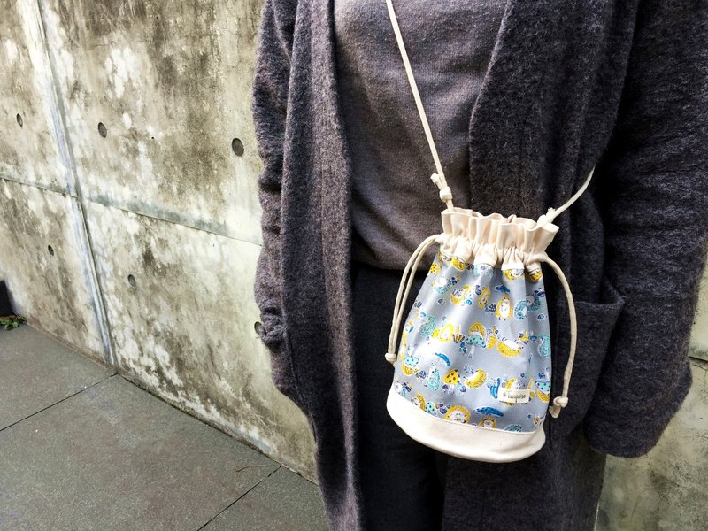 Little hedgehogs / Japanese Cotton print / Shoulder bag  crossbodies  bucket bag