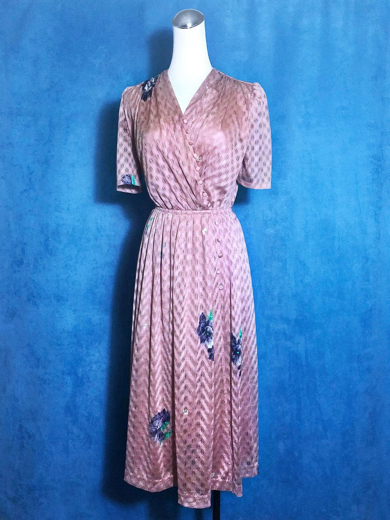 Textured flowers light antique dress / abroad brought back VINTAGE