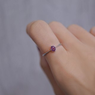 Purple corundum k gold fine ring