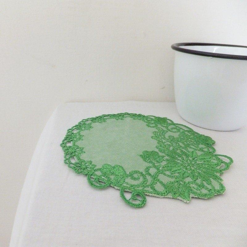 唐花藝現刺繡蕾絲墊 杯墊 置物墊-秋菊 翠綠色