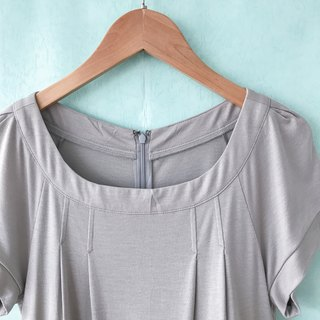 ... {acorn girl :: ancient dress} leisurely wind shallow gray gray color short sleeve dress