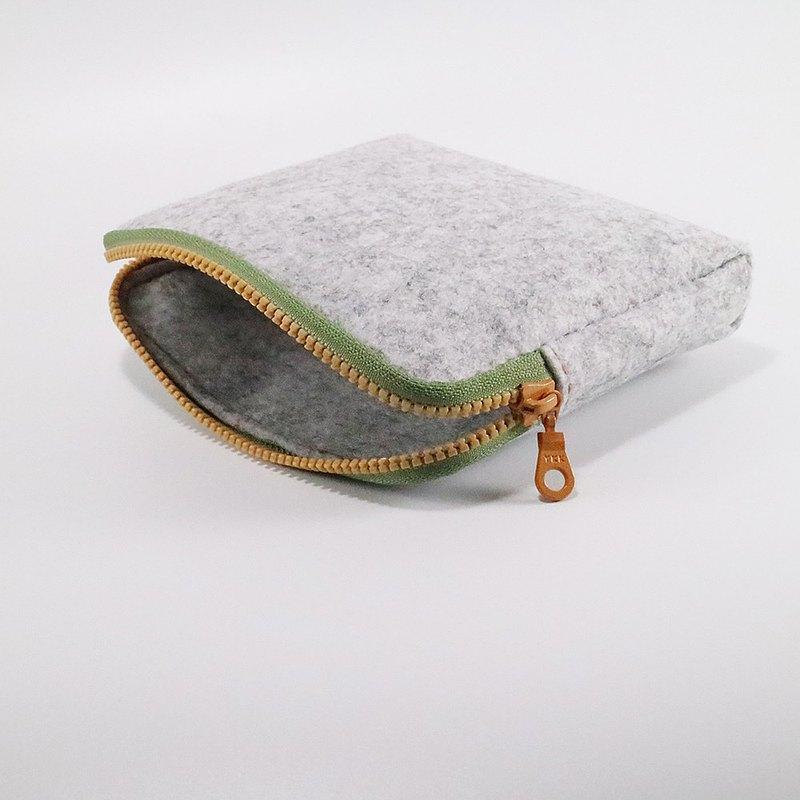 淺花灰工業羊毛氈小方包 - 草綠+鉻黃