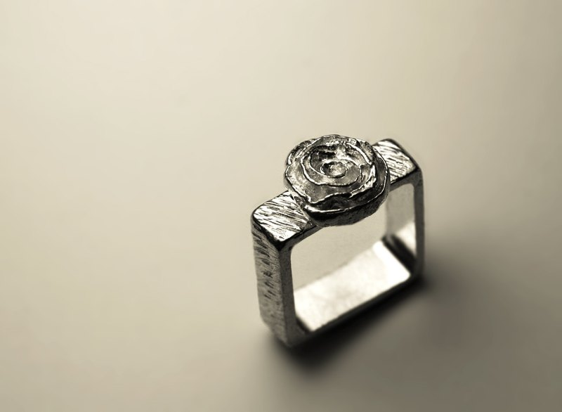 Abstract rose party ring