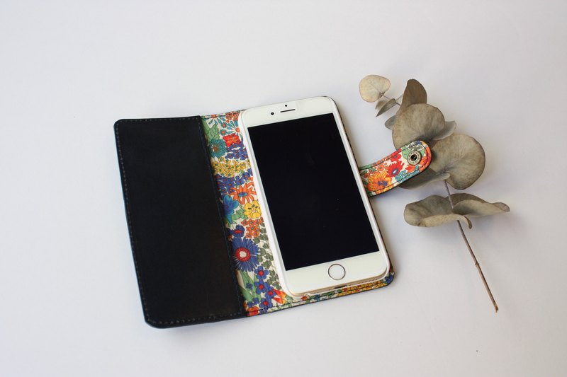 Cow genuine leather and liberty print iphone 6 · 7 special case navy