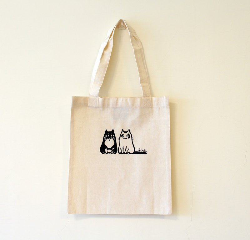 B5 simple cotton cloth bag - Auntie black pill together