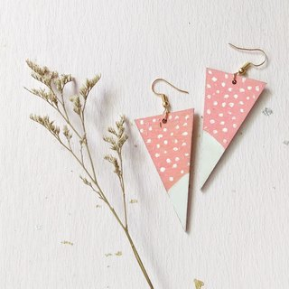 Strawberry ice cream hand-painted acrylic earrings can be changed ear clip