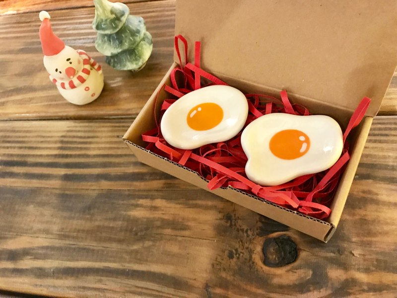 Christmas gift preferred yuan purse egg hand chopsticks holder bean dish small dish set of two