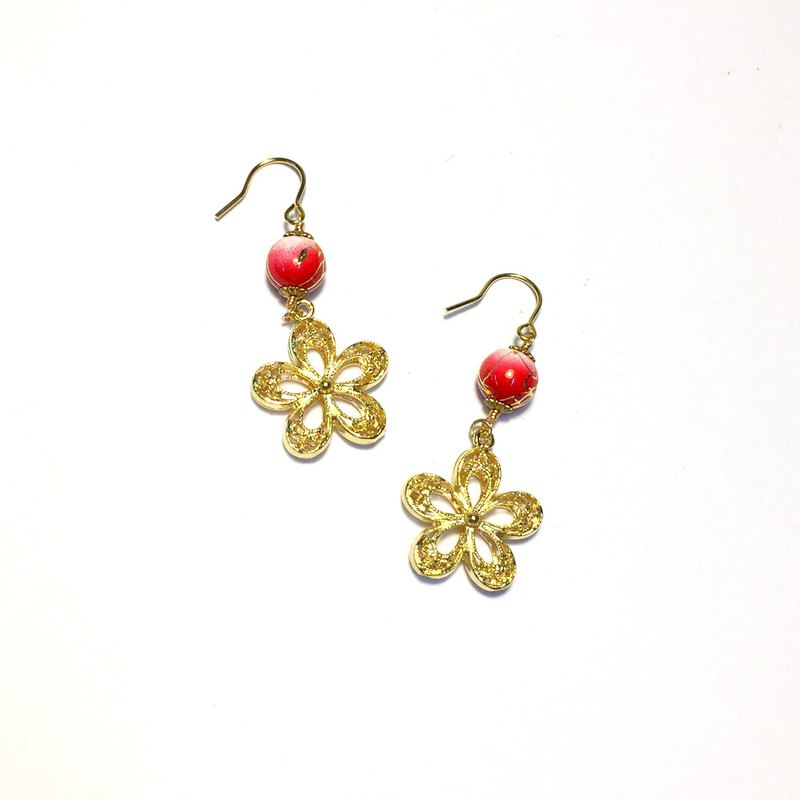 [Flower Bell] Cherry Blossom Bell. Japanese gold silk grass beads. 18K gold earrings.