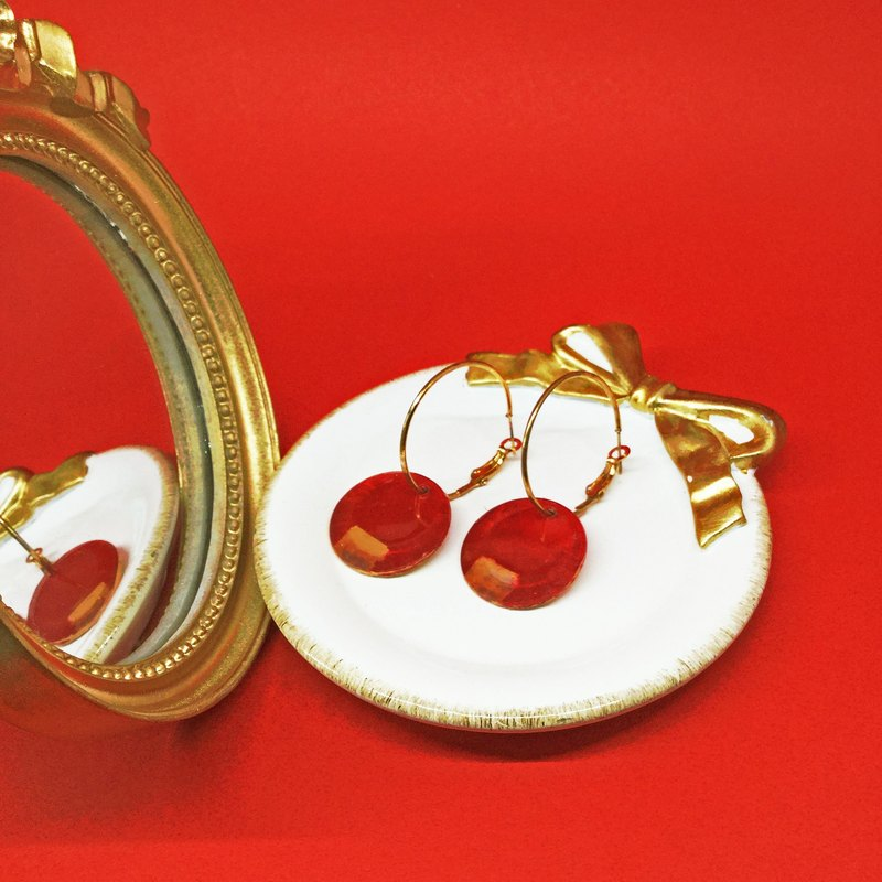 Mirror Mirror of Time - fingertip red (ear pin earrings / large) hand painted / Geometry / circle