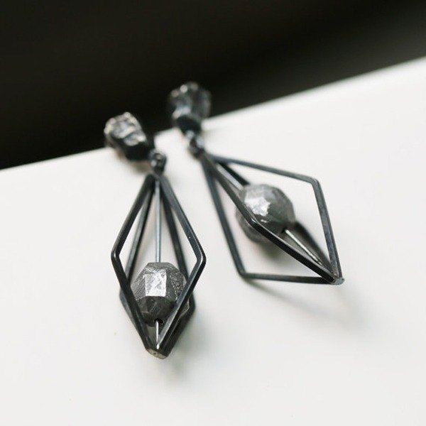 CATCH Meteorite Jewelry - Geometric Structure Meteorite Sterling Silver Earrings