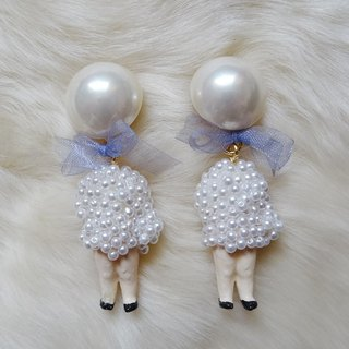 Pearl Doll Earrings Black Harajuku kawaii GGirly Vintage antique
