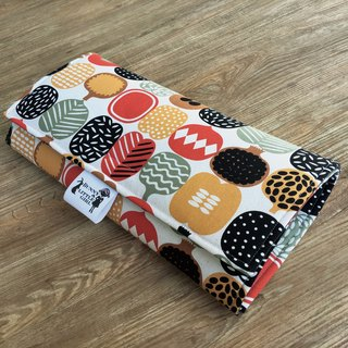 Out carrying type diaper pad - red fruit
