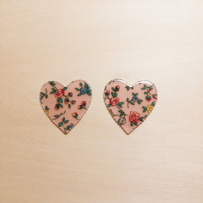 Vintage pink floral earrings