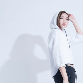 Aine ann / seven-point sleeveless movement wind jacket - white