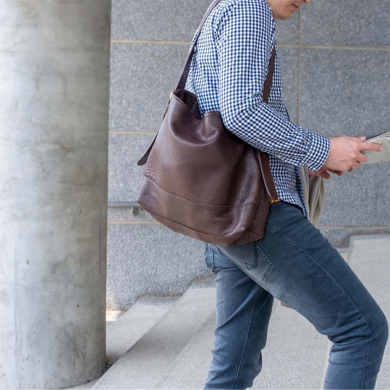 Japanese staff craft leather dual-use shoulder bag Messenger in Japan by TEHA AMANA